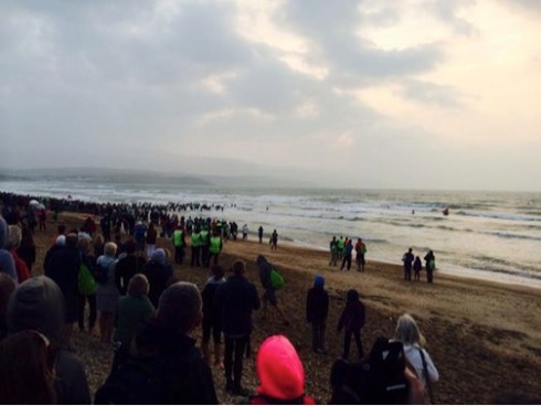 People starting the sea swim