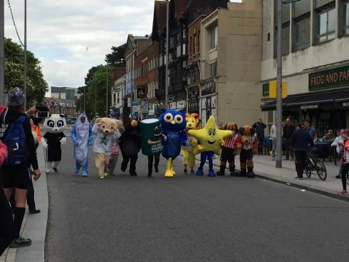 The start of teh mascot race